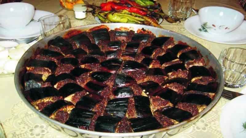 Urfa Yemekleri Tepsi Kebabi