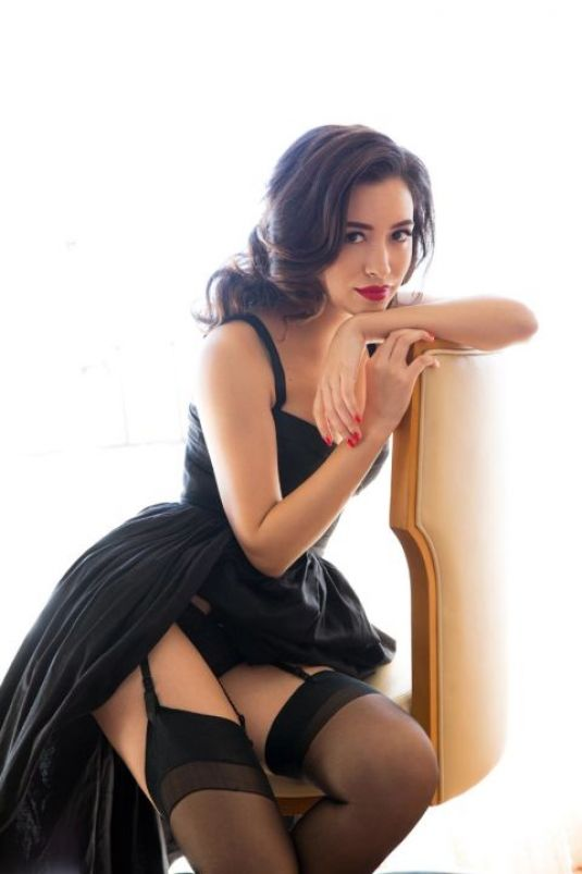 Christian-Serratos-Rosita-Espinosa-sexy-5