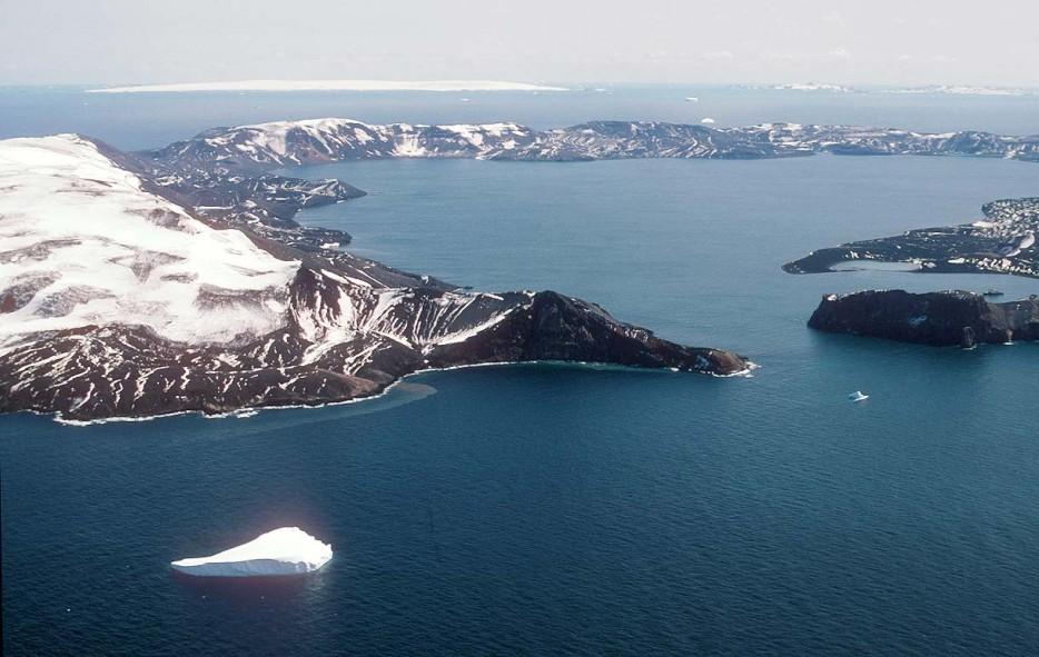 Deception-Adasıi-Antarktika-1