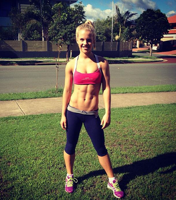 Hot-Fit-Girls-Girl-With-Six-Pack-Abs