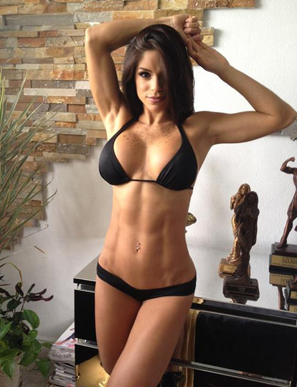 Hot-Fit-Girls-Michelle-Black-Bra