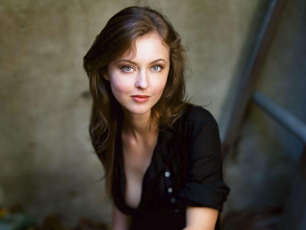 Katharine Isabelle fotograflari 18