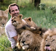 Kevin_Richardson_hayvanlarla-iletisim-kuran-adam