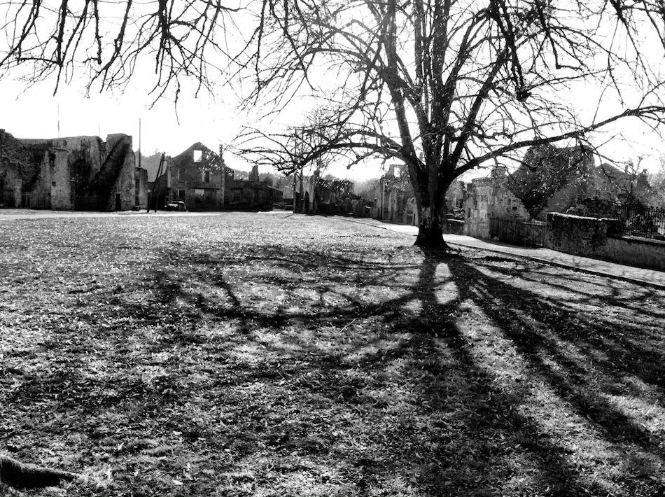 Oradour-sur-Glane Fransa terk edilmiş şehir fotoğrafları 1