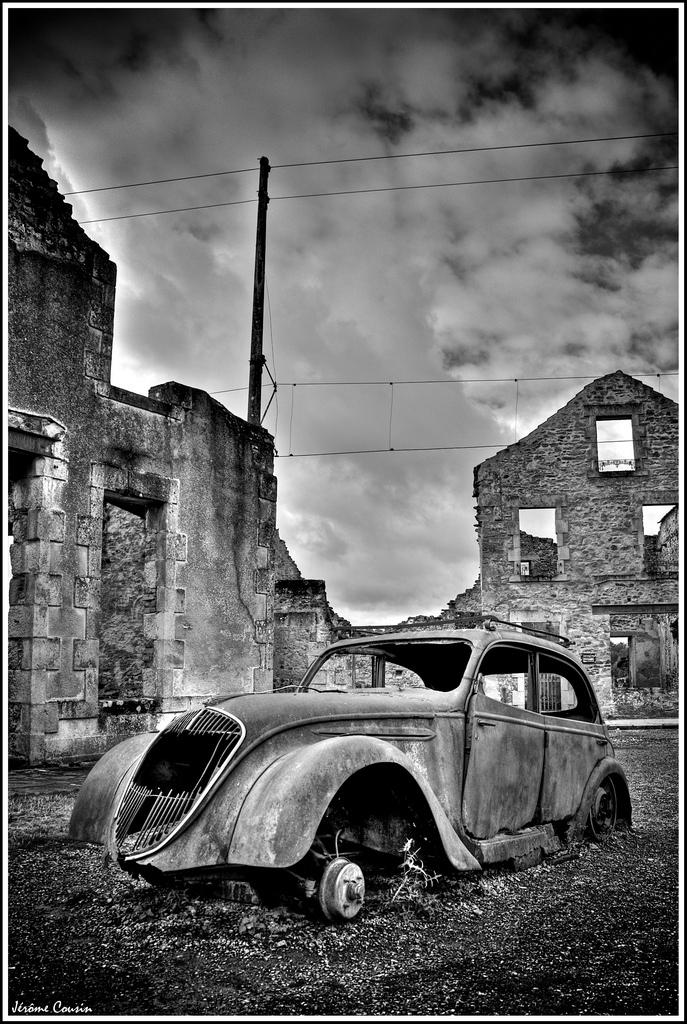 Oradour-sur-Glane Fransa terk edilmiş şehir fotoğrafları 4