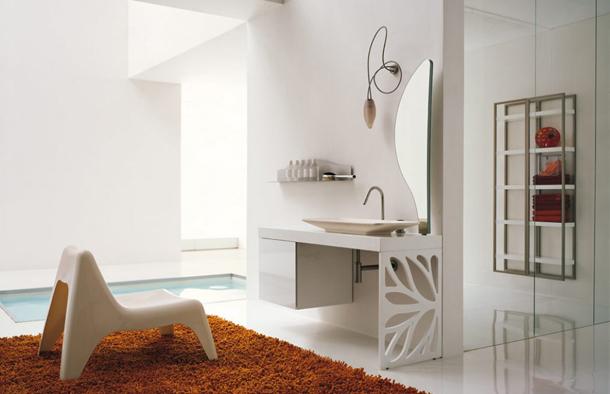 Beyaz banyo-tuvalet dekorasyonu