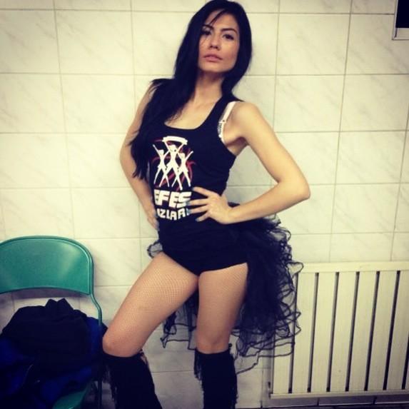 demet-ozdemir_yerli-dizi-seksi-guzel-oyunculari