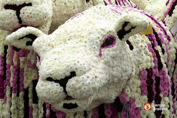 hollanda-dec.cicek-heykelleri-festivali-2