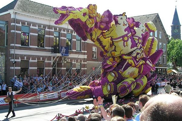 hollanda-dec.cicek-heykelleri-festivali-6