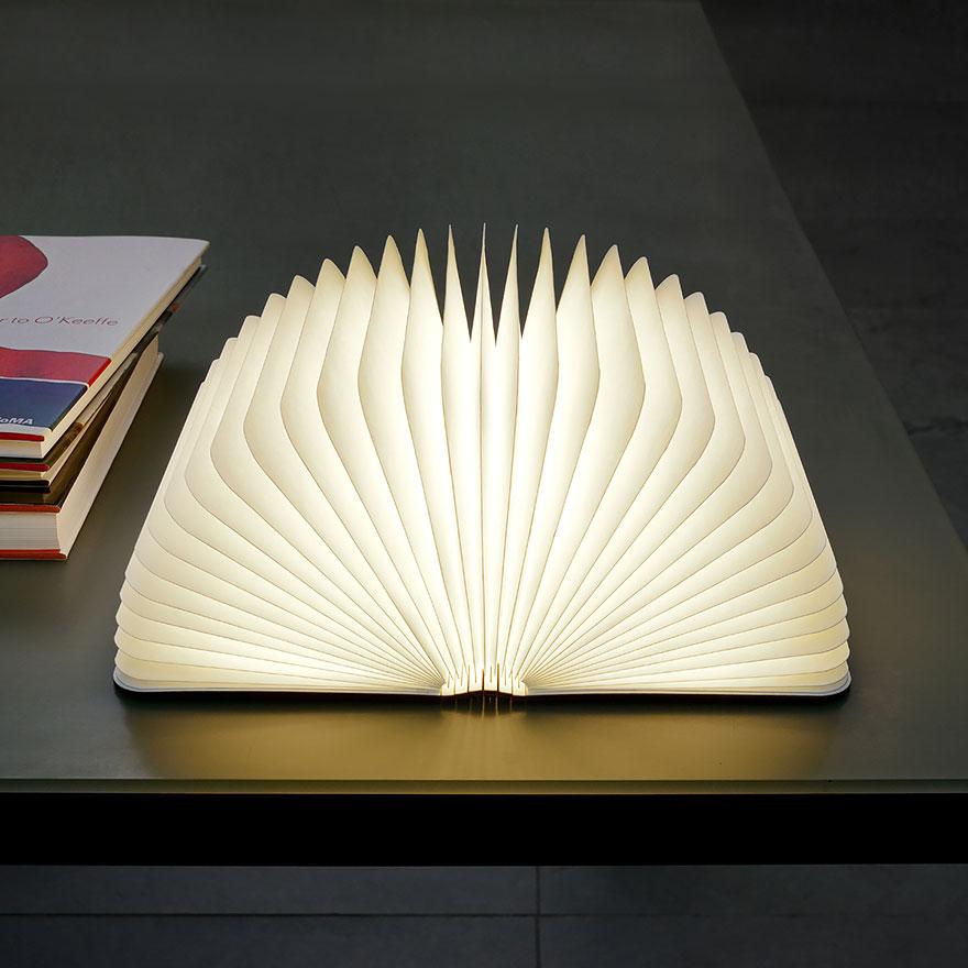 lumio-tasinabilir-kitap-lamba-tasarimi-2